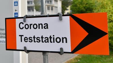 In den letzten Wochen wurden vermehrt auch ältere Leute positiv auf Corona getestet. (Bruno Kissling)