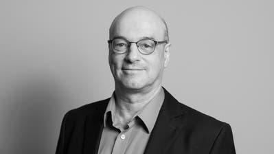 CVP-Präsident Gerhard Pfister posiert an der Spitze des ganzen Parlaments. Als ob er sagen wollte: Die Mitte, das bin ich. (ParlCH/Twitter (Bern, 25.9.2020))