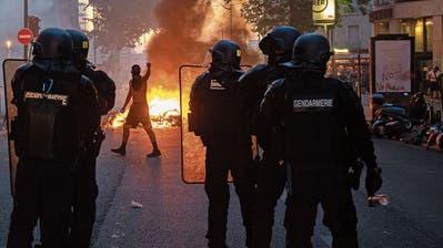 «Jetzt kommen sie auch, um zu töten»: Wie Jugendbanden in der Pariser Banlieue Jagd auf Polizisten machen