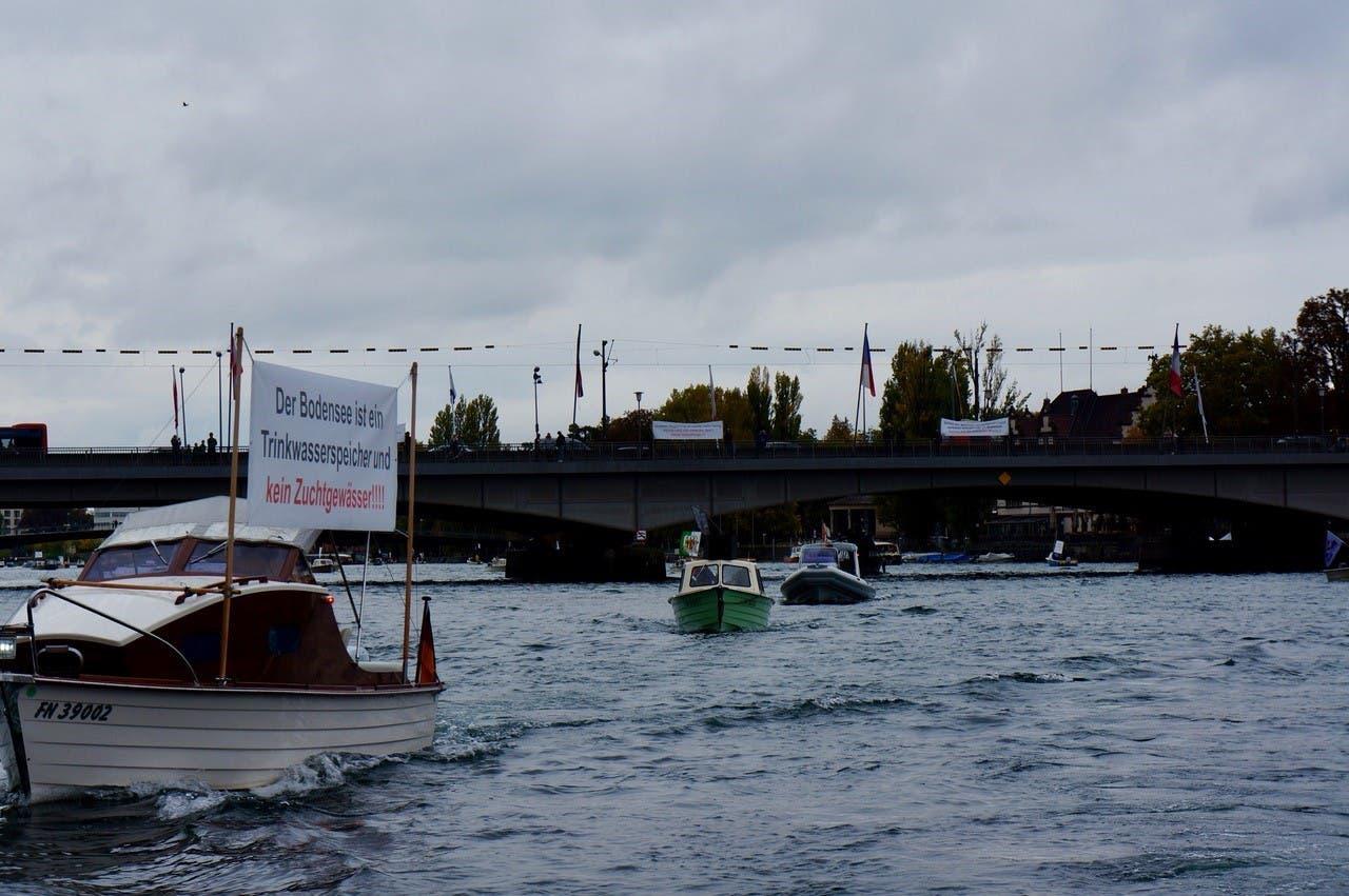 Schiffscorso der Fischer vor Konstanz und Kreuzlingen.
