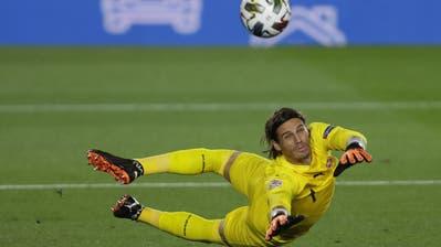 Im ersten Duell gegen Deutschland holte die Schweiz ein 1:1. Silvan Widmer schoss das Tor. (Georgios Kefalas / KEYSTONE)