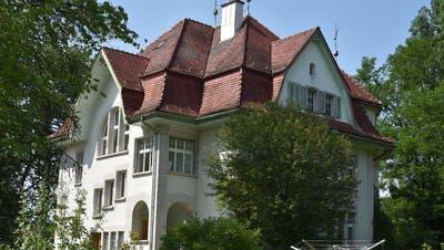 Die Firma und die Geschäftsstellen von mehreren Organisationen sind in der Villa Steinen in Ebnat-Kappel beheimatet. Diese soll darum zu einem Haus der Natur werden. (Bild: PD)