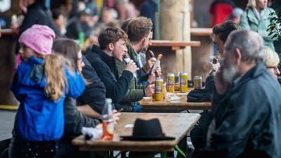 Die Pätch reduziert am zweiten Wochenende den Alkoholausschank. (Bild: Michel Canonica)
