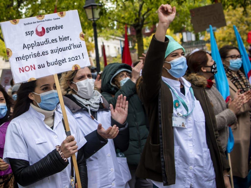 Die Mitarbeitenden des Gesundheitssektors prangern die «mangelnde Wertschätzung durch den Staat und die gewählten Politiker inmitten der Coronaviruskrise» an.