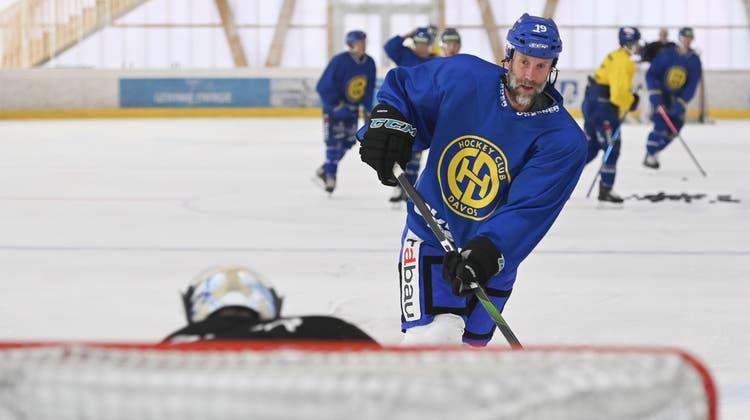 Geht für den HC Davos wieder auf Torejagd: Center Joe Thornton. (Bild: Keystone/Gian Ehrenzeller)