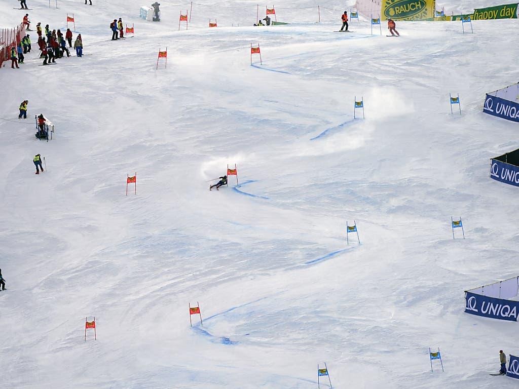Traditionell wurde auch in diesem Jahr auf dem Rettenbach-Gletscher in Sölden die Saison eröffnet