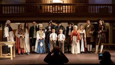 Am 15. Oktober probte der Theaterverein Toggenburg erstmals in Kostümen. ((Bild: Sascha Erni))