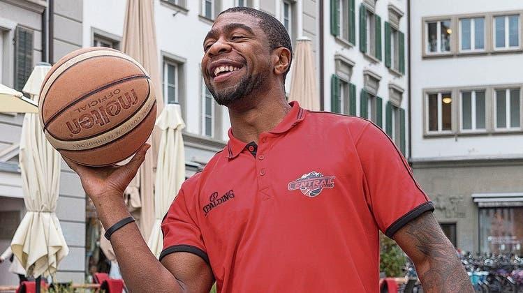 «Ich setze mir kein Limit»:Swiss Central Basket hat einen neuen Profi