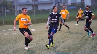 Luka Dunjic (in Gelb) und der SC Bronschhofen erzielten und erhielten zum zweiten Mal in Serie keinen Treffer. (Bild: Tim Frei (Henau, 29. August 2020))