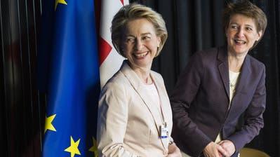 Vor schwierigen Zeiten: EU-Kommissionschefin Ursula von der Leyen (l.) und die Schweizer Bundespräsidentin Simonetta Sommaruga.
