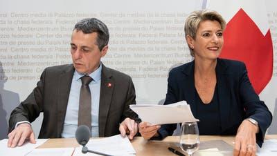 Der Bundesrat soll schnell das weitere Vorgehen beim Rahmenabkommen klären, fordert die APK-N. (Keystone)