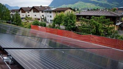 Auch Solaranlagen auf Hausdächern (hier in Stans) sind an der Messe Thema. (Archivbild: Corinne Glanzmann)