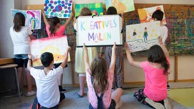 Schülerinnen und Schüler von der dritten bis zur sechsten Klasse dürfen sich bald nicht mehr kreativ austoben. (Bild: Ralph Ribi)