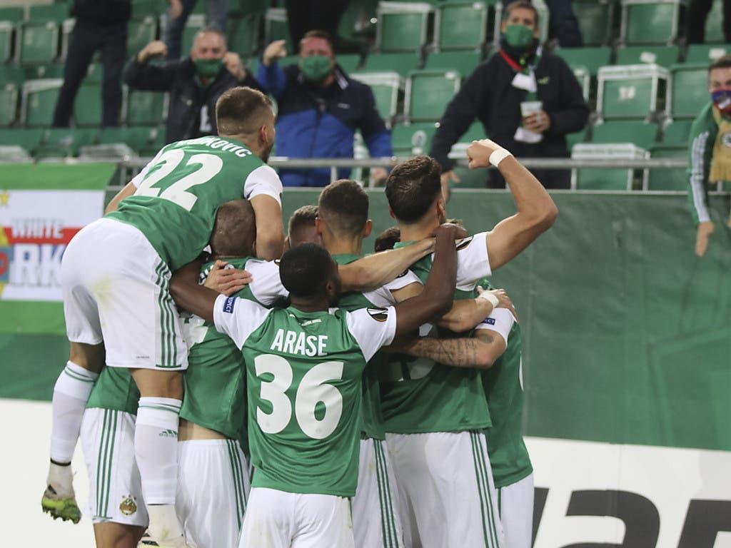 Zu früh gefreut: Die Spieler von Rapid Wien feiern das 1:0 gegen Arsenal - und verlieren 1:2