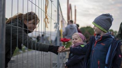 In Konstanz wurde während dem Lockdown ein Zaun an der Grenze zu Kreuzlingen aufgebaut. Er steht inzwischen nicht mehr, doch die Einreise ins Nachbarland ist mit Auflagen verknüpft. (Bild: Keystone)