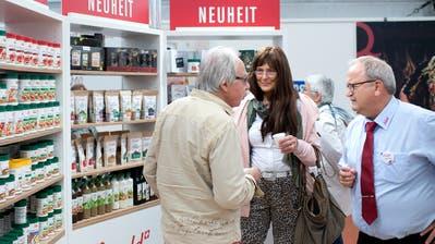 Der persönliche Kontakt mit den Kunden steht im Zentrum: Ein Bild der letztjährigen Zuger Messe. (Bild: Maria Schmid (Zug, 25. Oktober 2019))