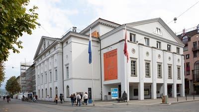 Das Luzerner Theater mit dem Theaterplatz im Vordergrund. (Bild: Patrick Hürlimann)