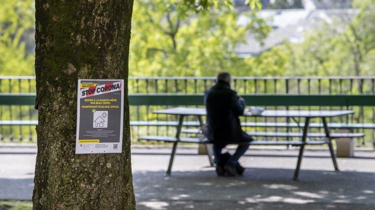 Genf kehrt zurück zur Fünf-Personen-Regel. Öffentliche sowie private Ansammlungen von mehr als fünf Personen sind verboten. (Symbolbild) (Keystone)