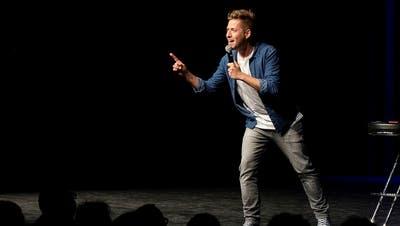 Comedian Joël von Mutzenbacher wird heuer nicht in Emmen auftreten. (Bild:Emmen Lacht 2019 / Markus Frömml)