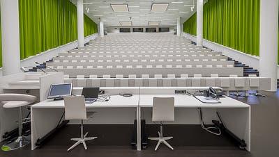 Die Hörsäle der Uni Luzern bleiben vorerst leer. (Bild: PD/Universität Luzern)