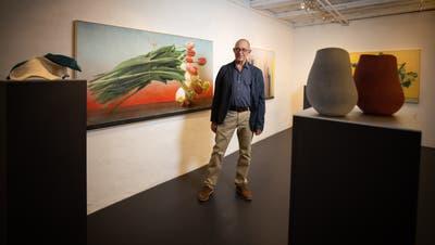 Der Künstler Maurice Ducret in der Galerie Carla Renggli in Zug. (Bild: Roger Zbinden (Zug, 24. Oktober 2020))