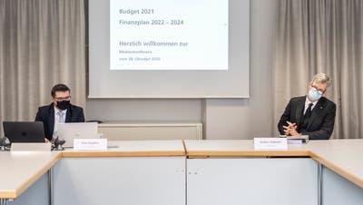 Medienkonferenz zum Budget 2021 der Stadt Frauenfeld: Reto Angehrn, Leiter Finanzamt, und Stadtpräsident Anders Stokholm. (Bild: Andrea Stalder)