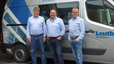 Die Geschäftsleitung derGebrüder Leuthold Metallbau AG, von links: Paul Leuthold, Patrick Gasser und Max Leuthold. (Bild: PD)