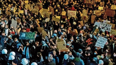 Wegen radikalem Abtreibungsverbot: Polen drohen bürgerkriegsartige Zustände