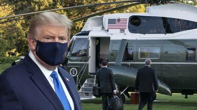 US-Präsident Donald Trump wurde am Freitag ins Militärkrankenhaus geflogen. (Keystone)