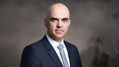 «Wer nicht in der Verantwortung steht, kann einfach kritisieren», sagt Gesundheitsminister Alain Berset. (Britta Gut (Bern, 29. Oktober 2020))