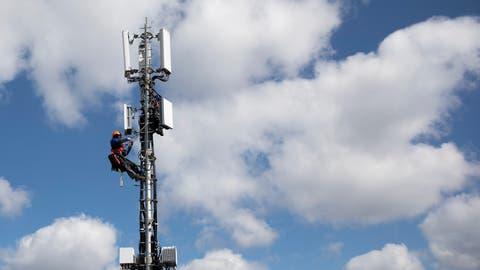 Besorgt um die Gesundheit: Ein «Gremium Bachwis»fürchtet die Frequenzen des umstrittenen neuen Mobilfunkstandards 5G. (Bild: Peter Klaunzer / KEYSTONE)