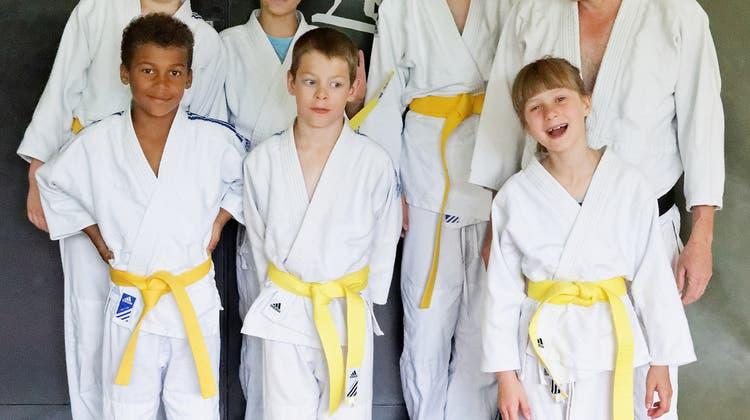 Erste erfolgreiche Kyu - Prüfungen im Mai 2015