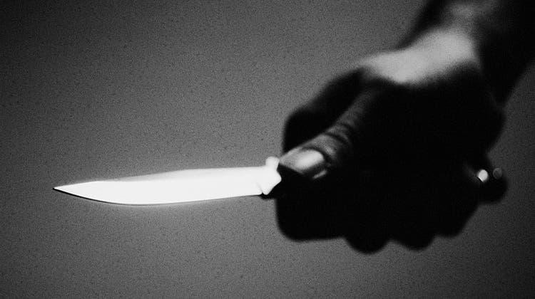 Masseur wegen Mordes verurteilt – er stach 56 Mal auf Nebenbuhler ein