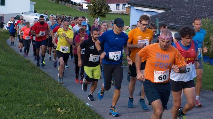 Das Schlussfeuerwerk der Bergläufer in Hasle-Heiligkreuz