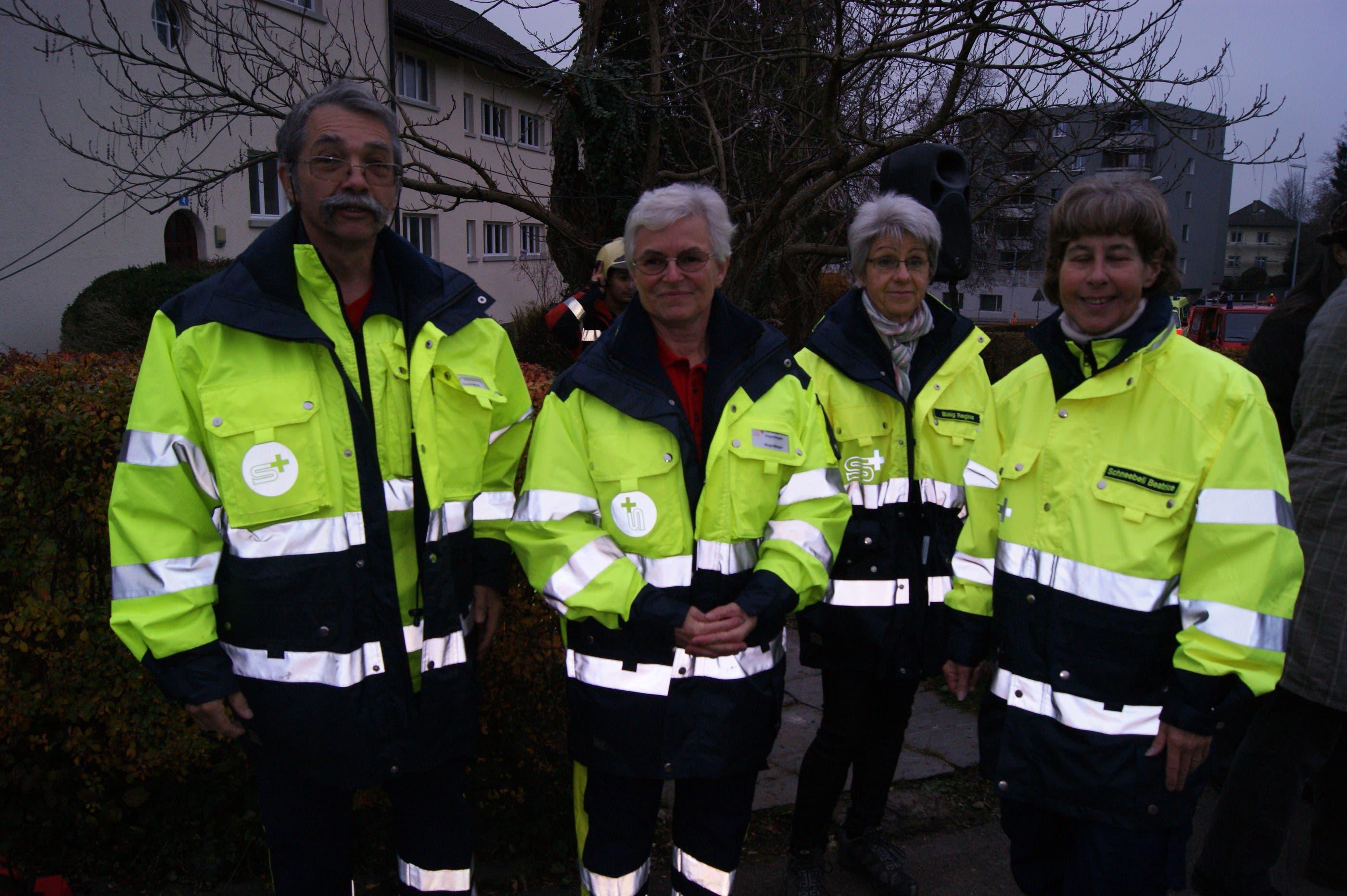 Samariterverband Engstringen, Roland Meyer, Maja Meyer, Regina Bisig, und Beatrice Schneebeli (Präsidenting vom Samariterverband), v