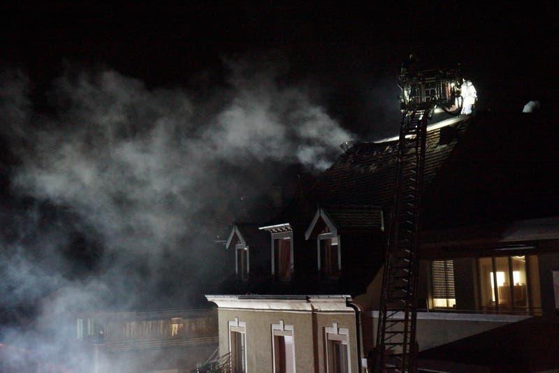 Dachstockbrand in der Sennheimerstrasse in Basel