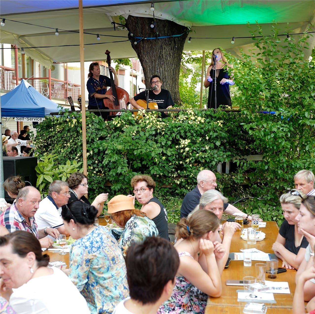 Das deutsch-polnische Trio «United Blues Experience» bei seinem Auftritt im Silberberg.