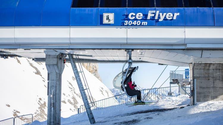 Ab Samstag ist derSessellift Ice Flyer auf dem Titlis in Betrieb. ((Bild: Patrick Huerlimann, Engelberg, 7. Januar 2020))