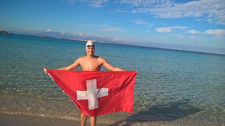 Solothurner durchquert Kanal als schnellster Schwimmer der Geschichte