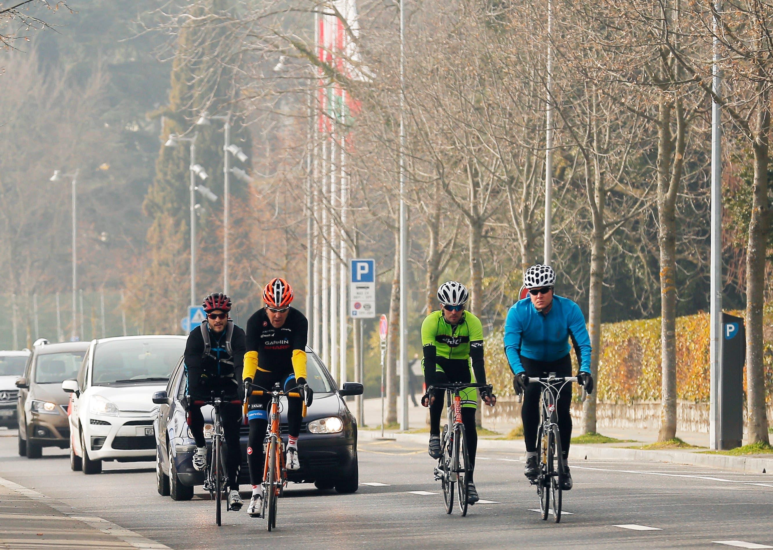 Luft schnappen: US-Aussenminister John Kerry erkundet Lausannes Umgebung auf dem Rennvelo.