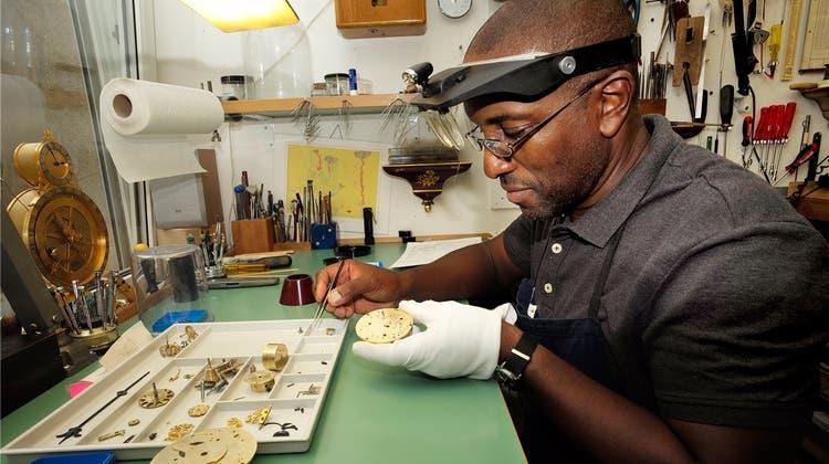 John Joseph kann jede mechanische Uhr reparieren