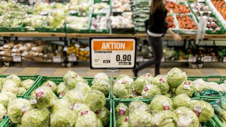 Den Salat spüren: Konsumenten kaufen gern sinnlich ein
