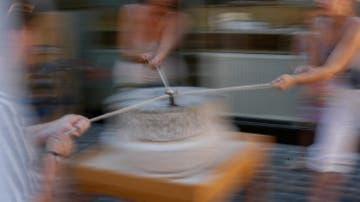 Mit der römischen Mühle zum selbst gebackenen Brot