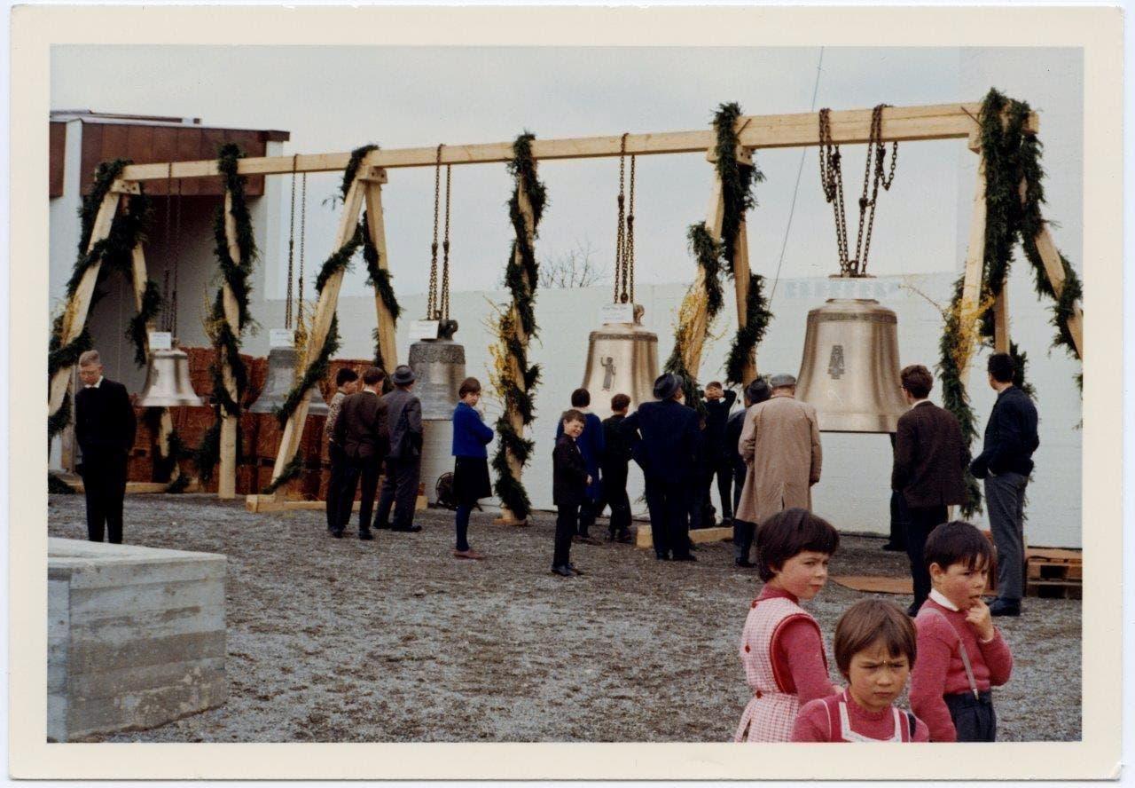 Am 28. März 1965 wurden die Glocken nach Künten gebracht.