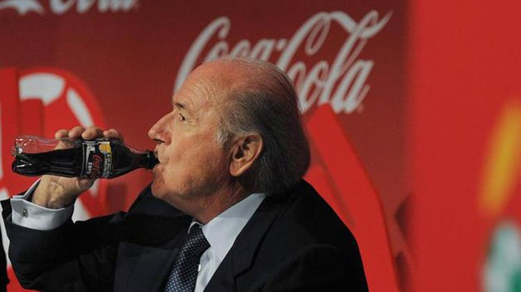 Trotz drohenden Milliardenverlusten – Sepp Blatter bleibt stur