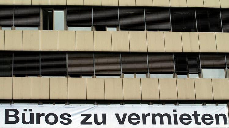 Wohnungen weiterhin rar – dafür bleiben immer mehr Büros leer