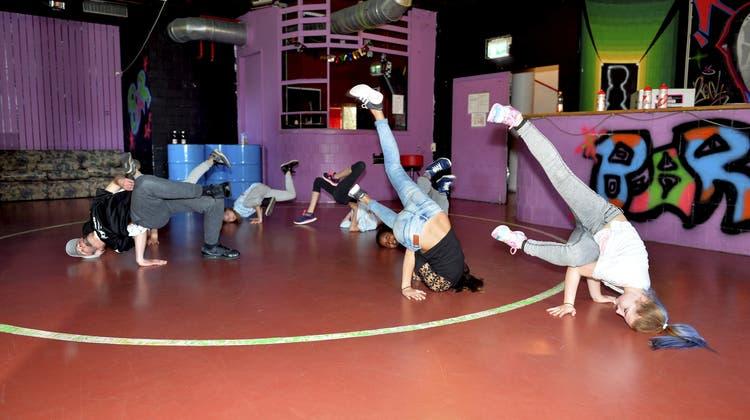 Im Jugend-Tanzcamp lernen die Kids Hip Hop und Breakdance