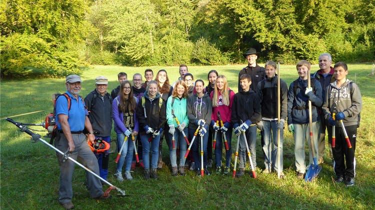 Schulklassen bauen Wanderwege und Feuerstellen im Naturpark