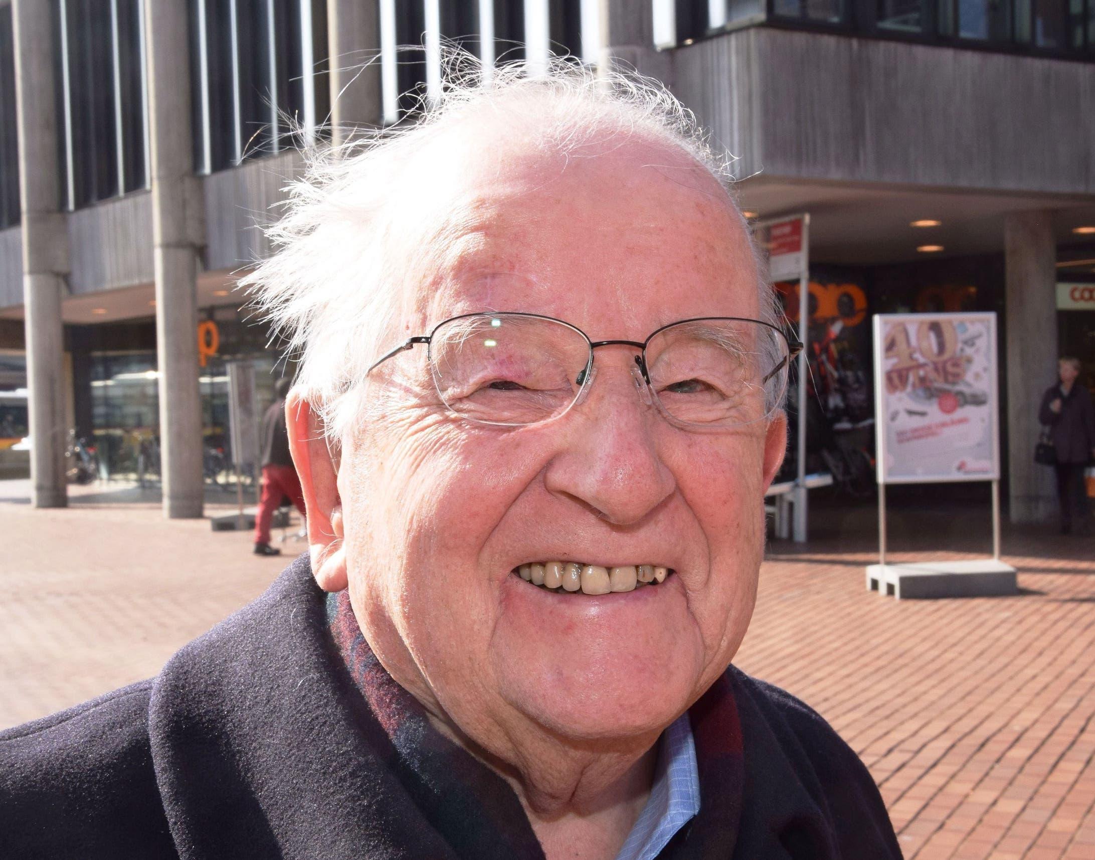 Eugen Vogel, 90, Hausen «Dem Do-it hinter der Migros trauere ich nach. Dort fand ich alles für kleinere Reparaturen im Haus. Soll ich nun im Internet einkaufen? In Brugg gibt es so viele leerstehende Ladenlokale.»