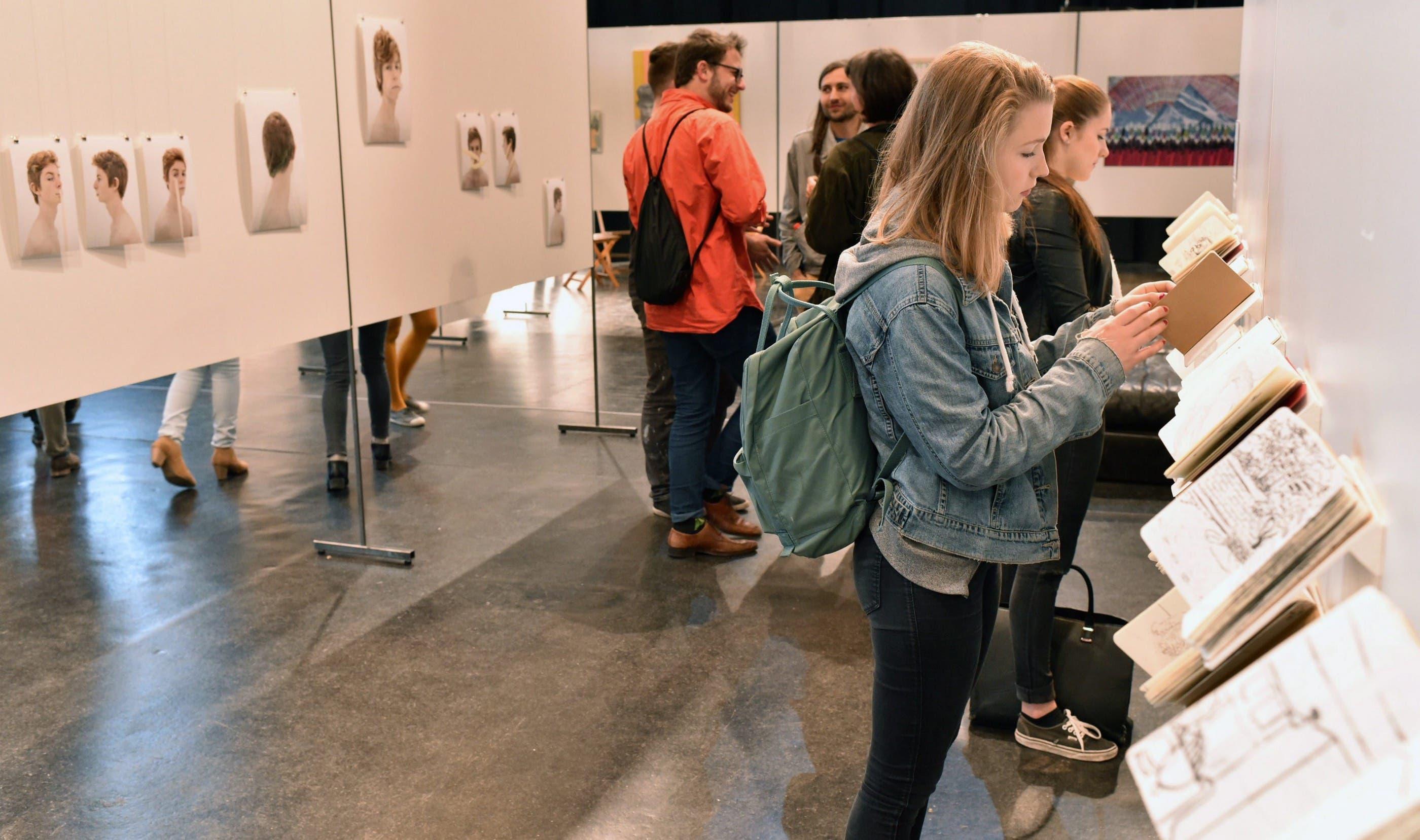 Junge Kunst Olten zeigt im Kulturzentrum Schützi Werke von 16 Künstlerinnen und Künstlern.